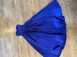 Blue Size 0 Ball gown on Queenly
