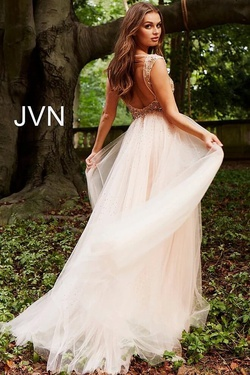 Jovani Pink Size 4 Train Dress on Queenly