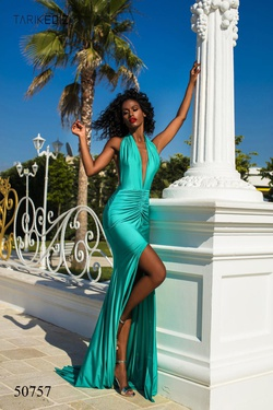 Queenly size 0 Tarik Ediz Green Side slit evening gown/formal dress