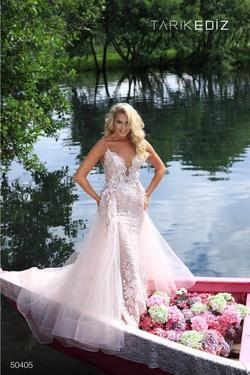 Queenly size 6 Tarik Ediz White Mermaid evening gown/formal dress