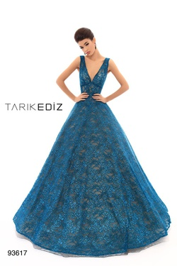Style 93617 Tarik Ediz Green Size 4 Pageant Prom Turquoise Ball gown on Queenly