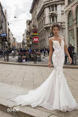 Queenly size 8 Tarik Ediz White Mermaid evening gown/formal dress
