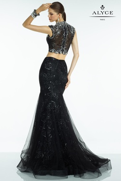Style 6551 Alyce Paris Black Size 10 Jewelled Train Tall Height Mermaid Dress on Queenly