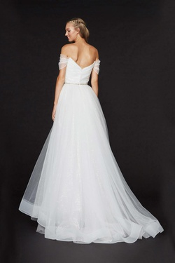 Style 91030 Angela & Alison White Size 4 A-line Dress on Queenly