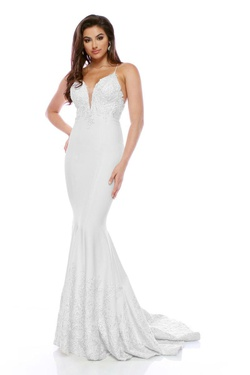 Queenly size 6 Zoey Grey White Mermaid evening gown/formal dress