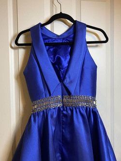 Mac Duggal Blue Size 4 Interview Cocktail Dress on Queenly