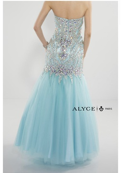Alyce Paris Light Blue Size 4 Sequin Mermaid Dress on Queenly