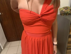 BCBG Red Size 6 Prom Straight Dress on Queenly