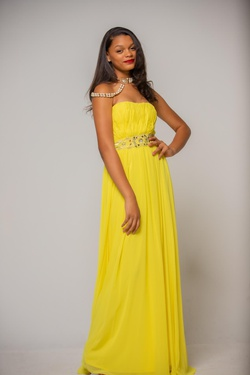 HOUSE OF LA'RUE  Yellow Size 6 Short Height Strapless Straight Dress on Queenly