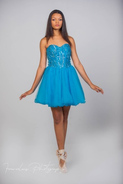 """Queenly size 4 """"b""""""""House of La'Rue """""""""""" Blue Cocktail evening gown/formal dress"""