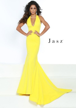 Queenly size 8  Yellow Straight evening gown/formal dress