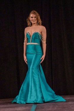 Queenly size 4 Jovani Green Mermaid evening gown/formal dress
