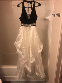 Teeze Me White Size 8 Prom Straight Dress on Queenly