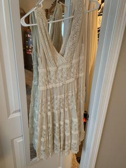 Nude Size 6 A-line Dress on Queenly