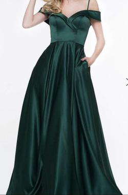 Queenly size 24  Green Ball gown evening gown/formal dress