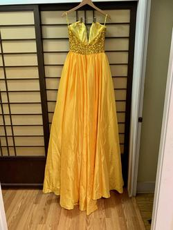 Yellow Size 6 A-line Dress on Queenly