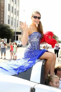 Queenly size 2  Blue Mermaid evening gown/formal dress