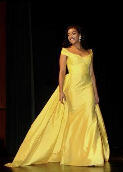 Custom Fernando Wong Yellow Size 6 Train Dress on Queenly