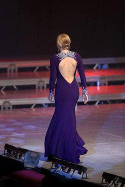 Tony Bowls Purple Size 6 Pageant Side slit Dress on Queenly