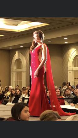 Queenly size 6 Sherri Hill Red Straight evening gown/formal dress