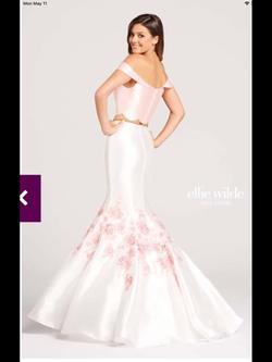 Ellie Wilde White Size 4 Floral Mermaid Dress on Queenly