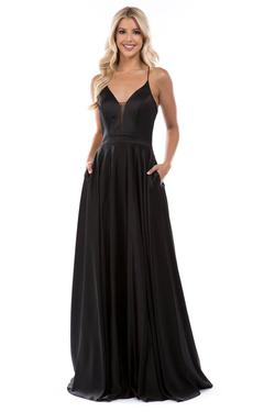 Style 1518 Nina Canacci Black Size 12 Prom Plunge Straight Dress on Queenly