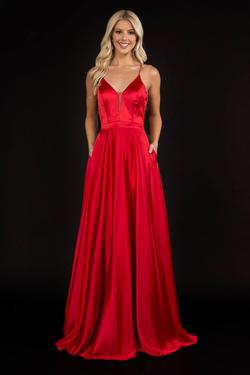 Queenly size 8 Nina Canacci Red Straight evening gown/formal dress