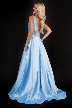 Style 2290 Nina Canacci Blue Size 6 Silk Ball gown on Queenly