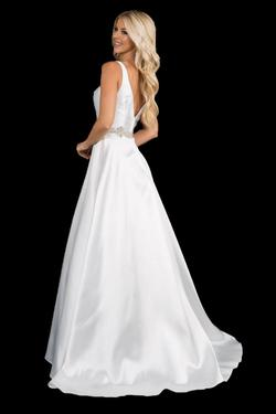 Style 2297 Nina Canacci White Size 16 Plunge Plus Size Ball gown on Queenly