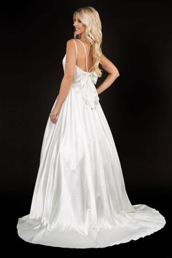 Style 6549 Nina Canacci White Size 6 Pageant Tall Height Ball gown on Queenly