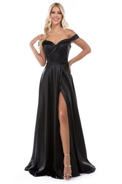 Queenly size 12 Nina Canacci Black Side slit evening gown/formal dress