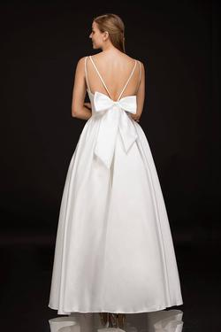 Style B1900 Nina Canacci White Size 10 Wedding Backless Tall Height Ball gown on Queenly