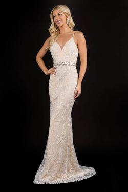 Queenly size 6 Nina Canacci Nude Straight evening gown/formal dress
