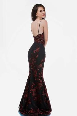 Style 2240 Nina Canacci Red Size 4 Plunge Prom Mermaid Dress on Queenly