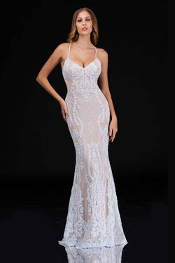 Style 2242 Nina Canacci White Size 2 Mermaid Dress on Queenly