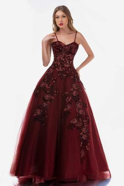 Style 2245 Nina Canacci Red Size 0 Ball gown on Queenly