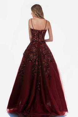 Style 2245 Nina Canacci Red Size 12 Sweetheart Plus Size Lace Ball gown on Queenly