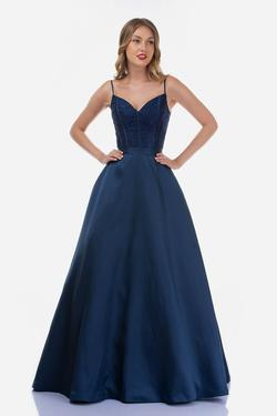 Style 2250 Nina Canacci Blue Size 8 Prom Ball gown on Queenly