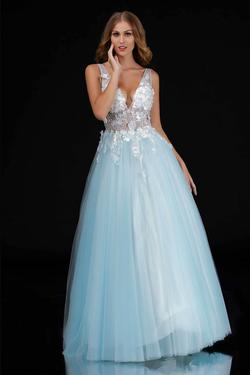Queenly size 8 Nina Canacci Blue Ball gown evening gown/formal dress