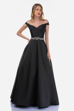 Style 2258 Nina Canacci Black Size 4 Prom Tall Height Ball gown on Queenly