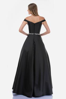 Style 2258 Nina Canacci Black Size 8 Prom Tall Height Ball gown on Queenly