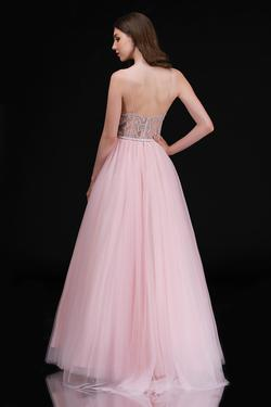 Style 2260 Nina Canacci Pink Size 8 Prom Ball gown on Queenly