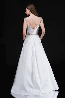 Style 2265 Nina Canacci White Size 22 Ball gown on Queenly
