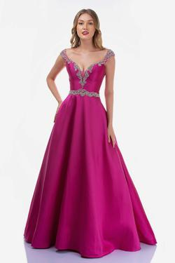 Style 2265 Nina Canacci Pink Size 6 Prom Ball gown on Queenly