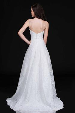 Style 5141 Nina Canacci White Size 4 Wedding Tall Height Ball gown on Queenly