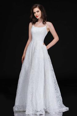 Queenly size 10 Nina Canacci White Ball gown evening gown/formal dress