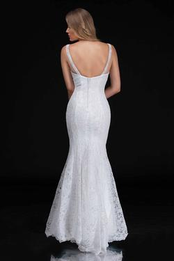 Style 5142 Nina Canacci White Size 10 Wedding Tall Height Mermaid Dress on Queenly