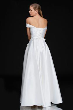 Style 6521 Nina Canacci White Size 10 A-line Dress on Queenly