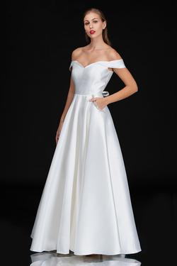 Queenly size 10 Nina Canacci White A-line evening gown/formal dress