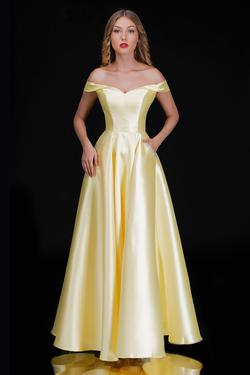 Style 6521 Nina Canacci Yellow Size 8 Prom Silk A-line Dress on Queenly
